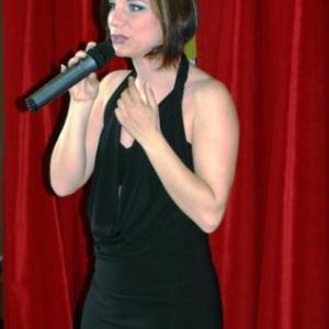 Antonella chante PIAF