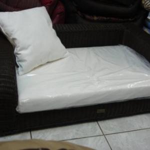 superbe grand lit en rotin avec coussin 399 euro