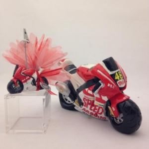 Moto de course rouge