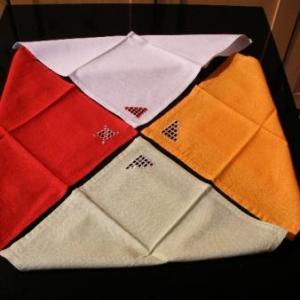 32. serviettes avec broderie masloul (2 euros chacune)