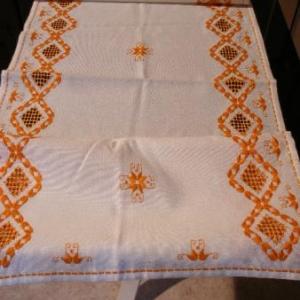 41. magnifique chemin de table (double set), broderie masloul, 45x150cm