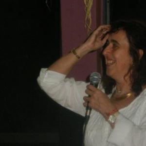 deux mots, quatre gestes suffisent a Regine Xhauflair pour defendre brillamment sa cause