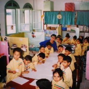 Simone, directrice d'une maison d'enseignement pour 200 enfants, Tunis, 2001