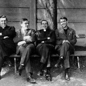 """1963: ab. L. Wampach(+), Pol Glesner, ab. J.M. Oudar (+), Albert Francois. On introduisait tout d'un coup  """"clergyman"""" et """"non clercs""""!"""