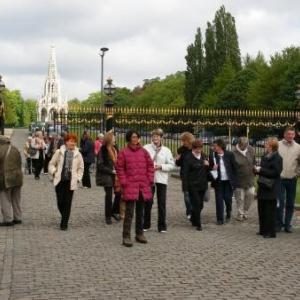Le GSARA aux serres de Laeken, le 4 mai 2010: on entre