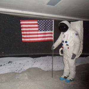 Reconstitution des premiers pas sur la lune