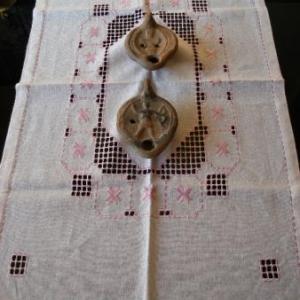 4. chemin de table, broderie masloul, de Tibhirine (24 euros)