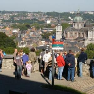 8. Animation. Promenade dans la citadelle. Avec le panorama sur Namur.