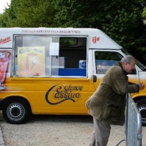 Le GSARA aux serres de Laeken, le 4 mai 2010: re-Sergio, beau comme une camionnette de glaces italiennes