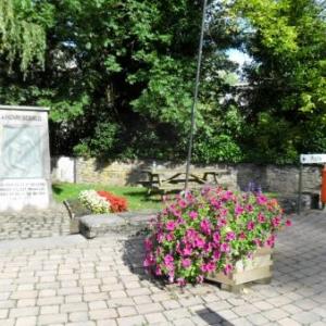 2.Le monument au grenadier Sebald.