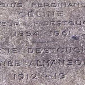 La tombe de Louis-Ferdinand Céline et de son épouse.