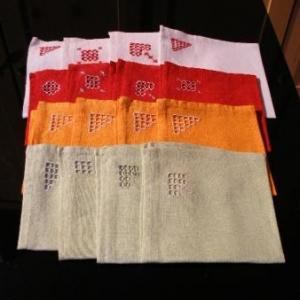 33. serviettes avec broderie masloul (2 euros chacune)