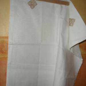24. taie d'oreiller, avec broderies masloul, fait main (Tibhirine): 5 euros