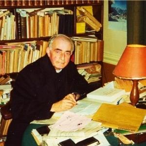 Jean Kobs. Bureau dans son presbytère.