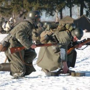 Sniper allemand en mouvement