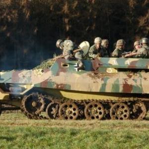 SDKFZ 251 (HMRA show diurne) (Vaux-sur-Sure)