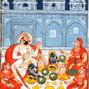 Rama en zijn broers aan de feestdis in het gezelschap van Raja Dasharatha en zijn drie koninginnen in het paleis van Ayodhya, Kotah-stijl, Rajasthan, einde 18de eeuw