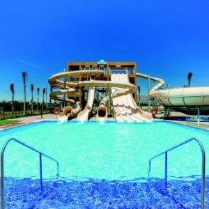 Le Riu Santa Fe présente son nouveau concept de divertissement pour tous avec les Riu Pool Party et le Splash Water World