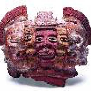 Figura con tres caras, ca 250-700