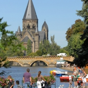 Bord de Moselle et Temple Neuf©Philippe Gisselbrecht_Ville de Metz.JPG-2