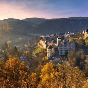 Visitez les plus beaux châteaux tchèques et profitez en même temps d'activités en plein air dans une nature resplendissante.