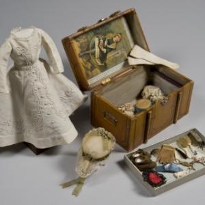 Little Life, Les jouets racontent la  vie domestique d'autrefois