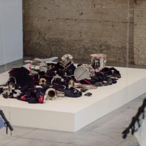 Latifa Echakhch, Sans titre (l'indépendante), 2008, collection de l'artiste Photo Leslie Artamonow