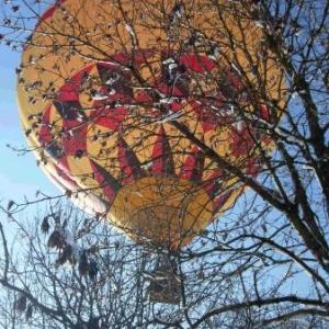 Saint-Valentin magique: vol en montgolfière dans la neige