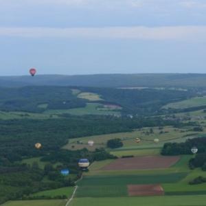 le paysage de han vu de la montgolfiere