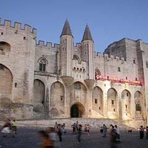 4. Avignon