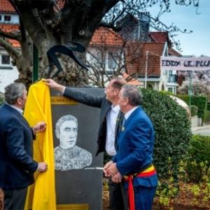 Eddy Merckx, Christian Prudhomme et Benoit Cerexhe devoilent la stele (c) Woluwe-Saint-Pierre