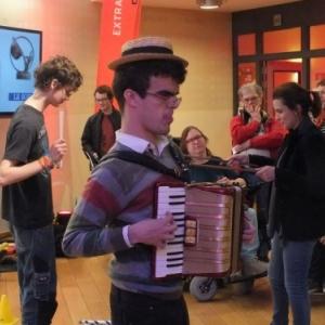 L ambiance festive du Festival, a Namur, en 2017 (c) Benoit Gueuning