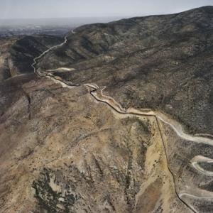 Finaliser cet odieux projet ne sera pas simple, le mur devant traverser des zones montagneuses desertiques (c) Pablo Lopez Luz