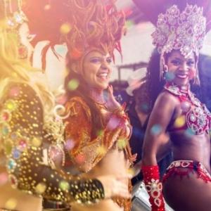Fetons, a Bruxelles, le Carnaval du Perou, de la Republique Dominicaine et du Sri Lanka