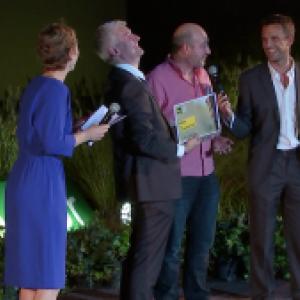 """Fou rire de Bernard Guillitte, Echevin de l'Environnement, et Xavier Pirson, laureat du Prix du Commentaire (c) """"FINN"""""""