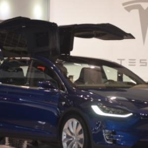 "(c) ""Tesla"""