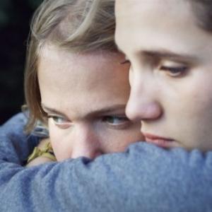 """Sarah Henochsberg & Justine Lacroix dans """"C est ca l Amour"""" (Claire Burger) (c) """"Mars Films"""""""