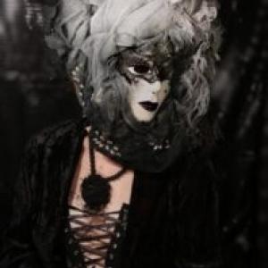 "Tour Joyeuse / ""Regards masques"" (c) P. Decoeur"