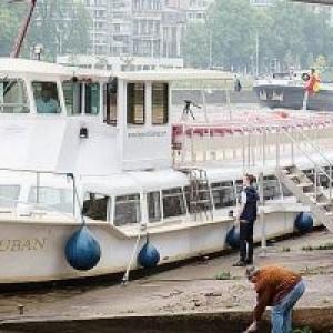 """L'une des Navettes fluviales (c) """"La Libre"""""""