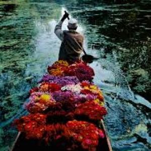 Srinagar, Kashmir, 1996 (c) Steve McCurry