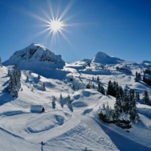 """Chatel, Haute-Savoie, la station se sports d hiver invitee d honneur du """"Village de Noel"""""""