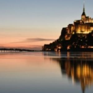 La France, en Normandie, avec un coucher de soleil sur le Mont-Saint-Michel (c) Vincent Robinot