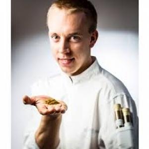 """Stefan Jacobs, chef coq au restaurant """"Hors Champs"""" (c) Frederic Raevens/""""Elle"""""""