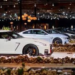 """Dans une somptueuse scenographie, l expo """"Dream Cars"""", pour nous faire rever (c) """"FEBIAC"""""""