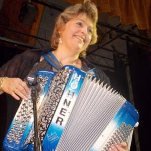 Erika, a l Accordeon, pour les Seniors