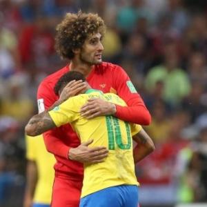 "Neymar sur l epaule de Fellaini (c) Bruno Fahy/""Agence Belga"""