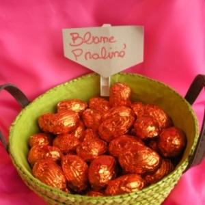 Oeufs de Paques au chocolat blanc praliné