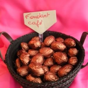 Oeufs de Paques au chocolat fondant café