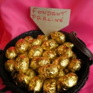 Oeufs de Paques au chocolat fondant praliné