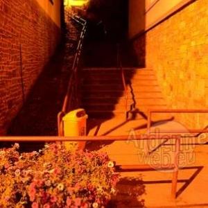 Les escaliers: 1er octobre 2011 - 21 h. Photo sans flash -photo2792